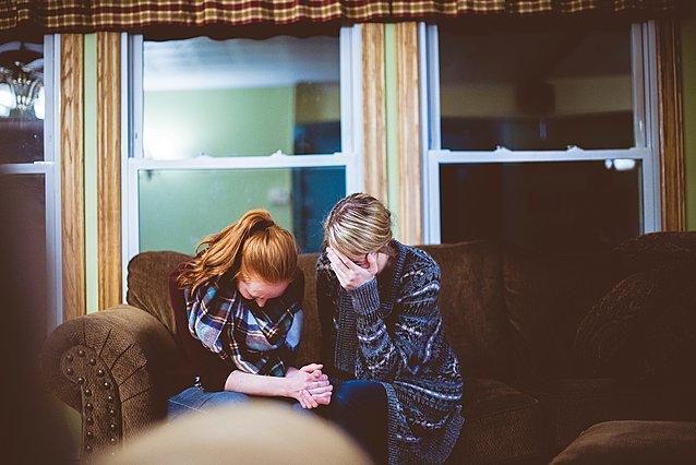 Εξάντληση από συμπόνια: Όταν τα προβλήματα των άλλων μας επηρεάζουν ψυχολογικά