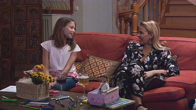 H Τζένη Μελιτά θύμα του Best Friend's Fear: Έφυγε τρέχοντας από το σπίτι! [Βίντεο]