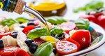 Είσαι σίγουρος πως γνωρίζεις τι ακριβώς προσφέρει το λάδι στις σαλάτες εκτός από νοστιμιά;