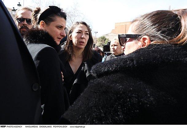 Κώστας Βουτσάς: Ο επικήδειος της κόρης του, Νικολέττας, υπήρξε, πραγματικά, συγκλονιστικός [video]