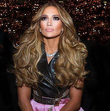 Έχεις δει τη Jennifer Lopez χωρίς τα extensions μαλλιών;