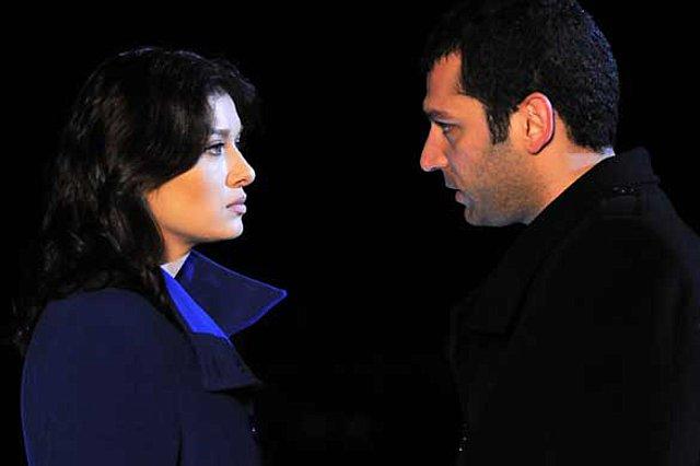 Έρωτας & Τιμωρία: Η Γιασεμίν πιάνει τον Σαβάς να φιλιέται με την Νάντια!