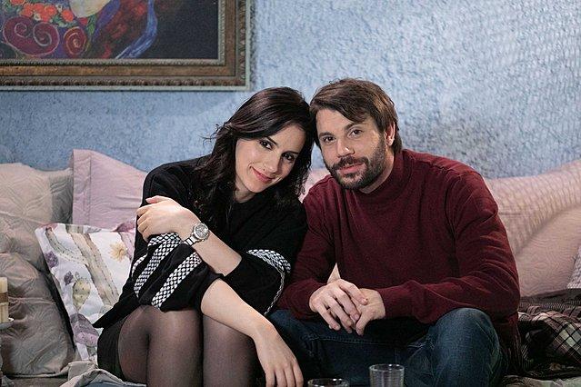 «Το καφέ της Χαράς»: H Βάλια και ο Μάνος στο πρώτο παθιασμένο φιλί!