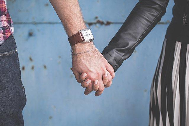 Πώς μπορεί να γίνει ασφαλές το dating στην εποχή του κορονοϊού