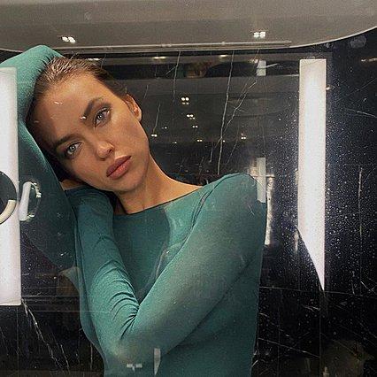 Η Irina Shayk και η πανέμορφη κόρη της με μάσκες στους δρόμους της Νέας Υόρκης [photos]