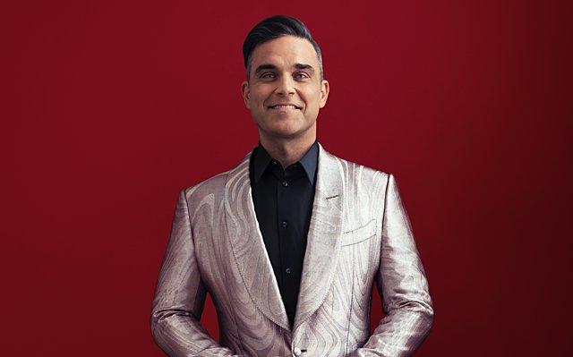 Ο Robbie Williams νανουρίζει τον μικρότερο γιο του -  Το πιο γλυκό πράγμα που θα δεις σήμερα [video]