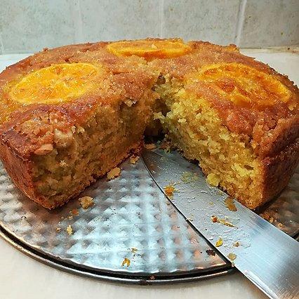 Για τη Μεγάλη Εβδομάδα δοκίμασε να φτιάξεις αυτό το σπέσιαλ νηστίσιμο κέικ πορτοκαλιού