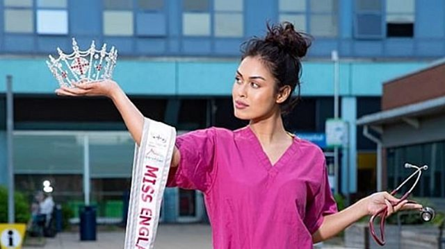 Κορονοϊός: Η εκθαμβωτική Μις Αγγλία έβγαλε το στέμμα και επέστρεψε στο νοσοκομείο ως γιατρός! [Βίντεο]