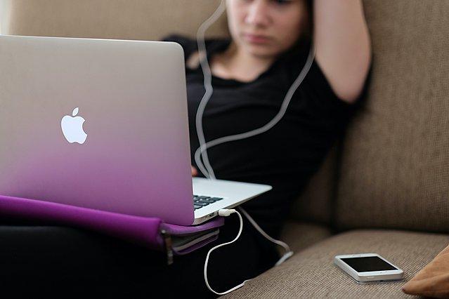 Οι 4 λόγοι για τους οποίους είναι χρήσιμο να χρησιμοποιούν social media τα παιδιά μας