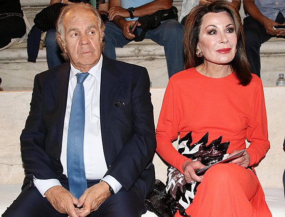 <p>Η Γιάννα Αγγελοπούλου με τον σύζυγό της, Θεόδωρο, στο Ηρώδειο</p>
