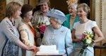 Βασίλισσα Ελισάβετ: Οι 5 πιο περίεργες ειδικότητες που έχει στο προσωπικό της