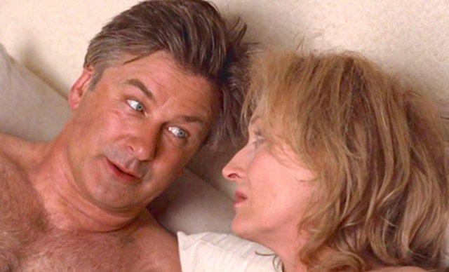 """<p>Alec Baldwin και Meryl Streep στην ταινία """"It's Complicated"""" (2009)</p>"""