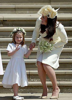 Σπάνια βασιλική διάψευση: Το παλάτι πήρε θέση για... το καλσόν της Charlotte