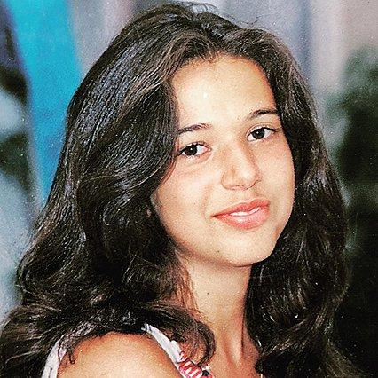 Quiz: Αναγνωρίζεις ποια δημοφιλής ελληνίδα ηθοποιός είναι το κοριτσάκι της φωτογραφίας;