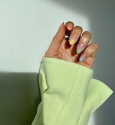 Οι τάσεις στα νύχια που θα κυριαρχήσουν το φετινό καλοκαίρι