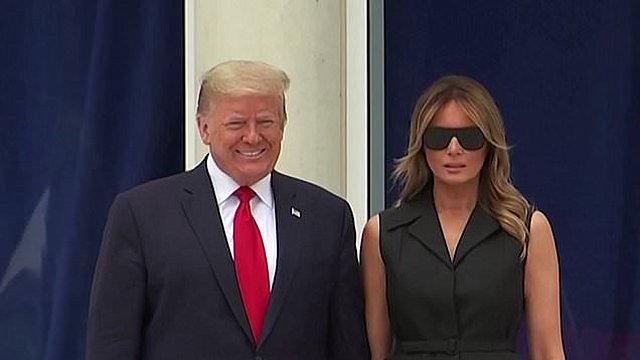 Melania και Donald Trump: Μία ακόμη υπερβολικά αμήχανη σκηνή που κατέγραψε η κάμερα