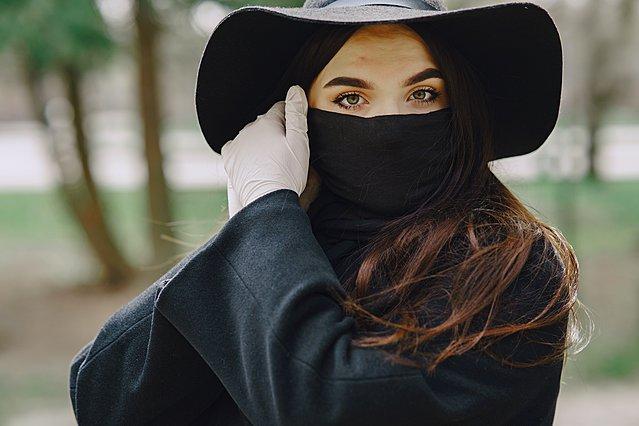 Πώς η μάσκα επιδρά στην ψυχολογία σου και πώς να το αντιμετωπίσεις