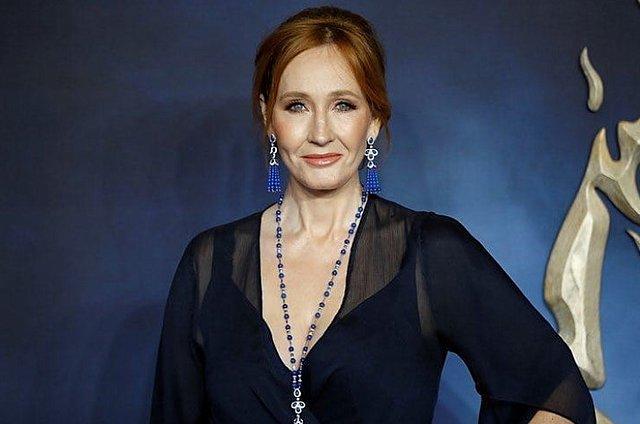 J.K. Rowling: Τα tweets της προκάλεσαν την οργή του  Harry Potter