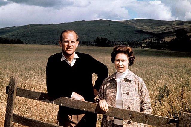 Ο πρίγκιπας Φίλιππος και η απόδειξη ότι ο Harry είναι, όντως, γιος του Καρόλου