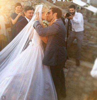 Επέτειος γάμου για τη Δούκισσα Νομικού - Η απίθανη φωτογραφία με τον σύζυγο και το... μονόπετρο!