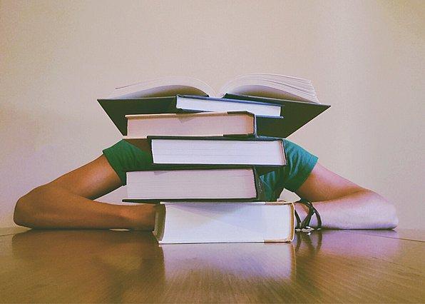 Πανελλήνιες εξετάσεις: Πέντε συμβουλές -εκτός από το διάβασμα- που θα βοηθήσουν την κατάσταση