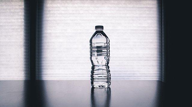 Χρησιμοποιείς ξανά το πλαστικό μπουκάλι του νερού; Μάλλον να το ξανασκεφτείς