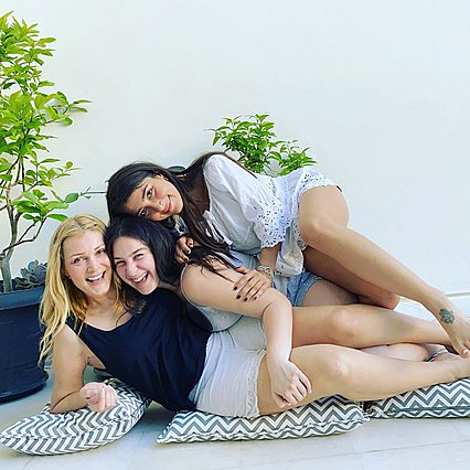 Νατάσα Θεοδωρίδου: Η πρώτη φωτογραφία με τις δυο κόρες της ύστερα από καιρό