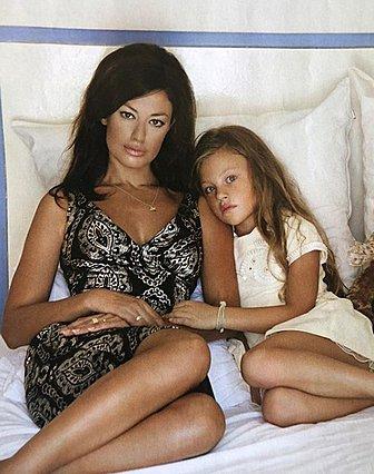 Δωροθέα Μερκούρη: Έχεις δει τις πανέμορφες κόρες της;