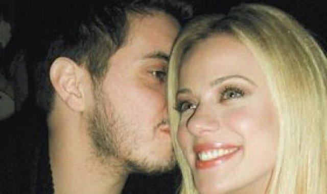 Χατζηγιάννης - Ζέτα: Τα λεφτά δεν μπαίνουν εμπόδιο στο γάμο