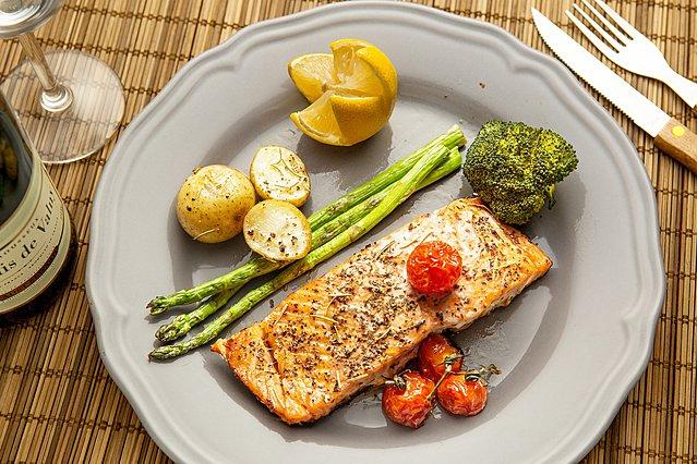 6 τροφές για βραδινό που δεν θα σου προσφέρουν περιττά κιλά