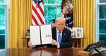 Donald Trump: Ο αμερικανός πρόεδρος σταμάτησε να βάφει το μαλλί - Δες τον πρώτη φορά με το φυσικό... λευκό του