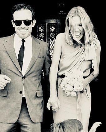 Η Βίκυ Καγιά νύφη: Οι φωτογραφίες από τον μυστικό γάμο που δεν είχες δει