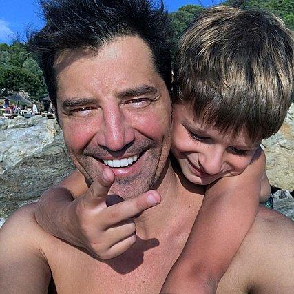 Σάκης και Αλέξανδρος Ρουβάς: Μπαμπάς και γιος έριξαν το instagram με ένα υπέροχο βίντεο!