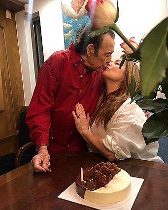 <p>Η φωτογραφία αυτή είναι από τα γενέθλια της Άντζελας Γκερέκου τον Μάρτιο.</p>