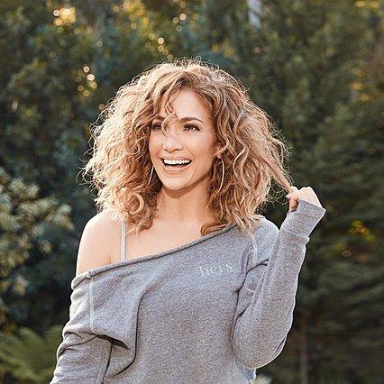 Jennifer Lopez: Κούκλα στη νέα makeup free selfie της, όμως, είναι μία άλλη - Πώς το έκανε αυτό η JLo;