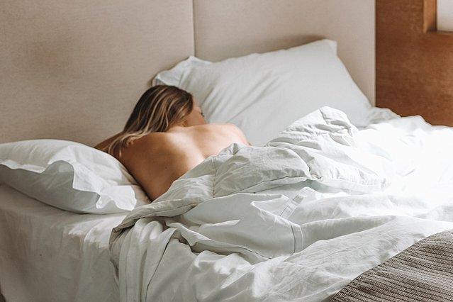 Οι συνήθειες που θα σε βοηθήσουν να κοιμάσαι καλύτερα