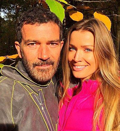 <p>O Antonio Banderas με την εδώ και χρόνια σύντροφό του, Nicole Kimpel</p>