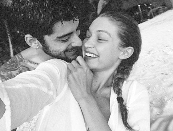 Γέννησε η Gigi Hadid: Οι πρώτες φωτογραφίες που μοιράστηκε εκείνη και ο Zayn