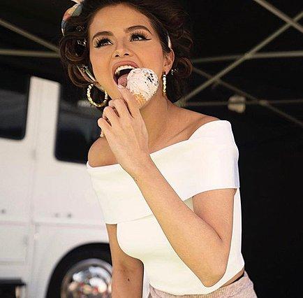 Selena Gomez: Δείχνει με υπερηφάνεια την πιο όμορφη  ατέλεια  της