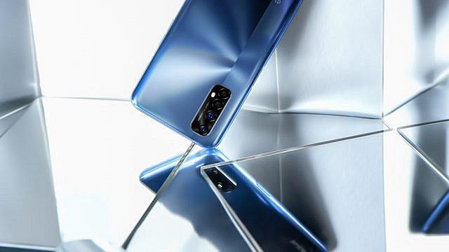 Realme: Ήρθε στην Ελλάδα η νέα σειρά κινητών 7 και 7 Pro