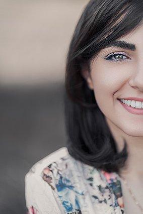 3 κόλπα στο μακιγιάζ για να φαίνονται πιο λευκά τα δόντια σου!