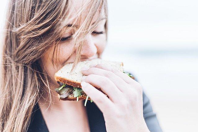 Οι πιο υγιεινές επιλογές φαγητού delivery, εάν προσέχεις τη διατροφή σου