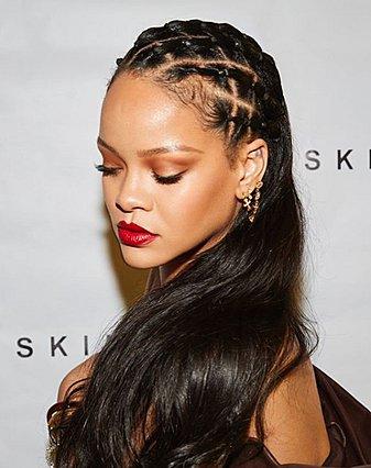 Το μυστικό της Rihanna για πιο γεμάτα χείλη