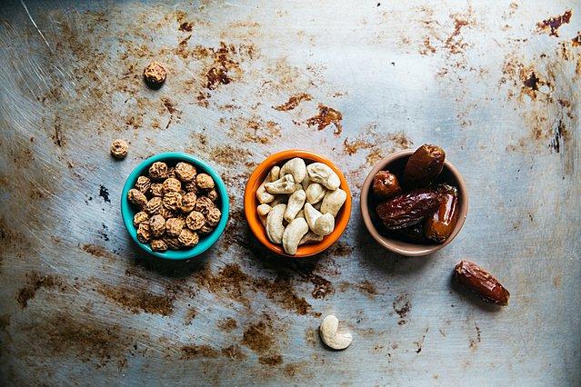 Θέλεις να χάσεις βάρος; Οι πιο σωστές επιλογές που πρέπει να κάνεις στα σνακ