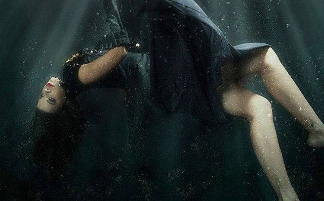 Τζένη Καζάκου: Η εγγονή της Τζένης Καρέζη στην πιο ιδιαίτερη φωτογράφιση! [Photos]