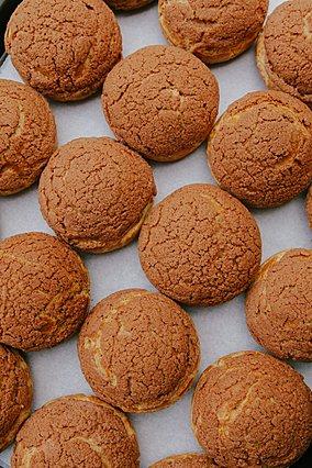 Η πιο απίθανη συνταγή για γεμιστά μπισκότα βρώμης με φυστικοβούτυρο