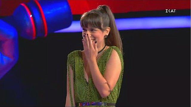 The Voice: Η απίθανη μουσική μονομαχία μεταξύ Σάκη και Πάνου για την όμορφη Καλένα - Ποιος ήταν ο νικητής; [video]