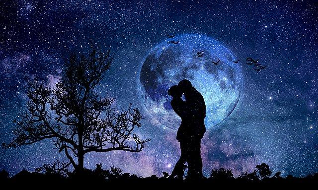 Blue Moon: Αυτά τα 4 ζώδια θα επηρεαστούν λιγότερο από το Μπλε Φεγγάρι του Οκτωβρίου