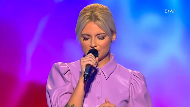 The Voice: Η  δίδυμη αδελφή  της Φαίη Σκορδά στη σκηνή του show; [Βίντεο]