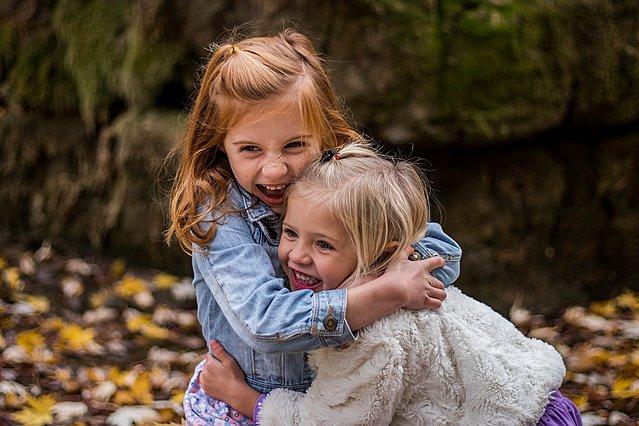 Ζώδια και φιλίες: Ποιοι συνδυασμοί δίνουν τις πιο αληθινές και αφοσιωμένες σχέσεις (Μέρος Α')